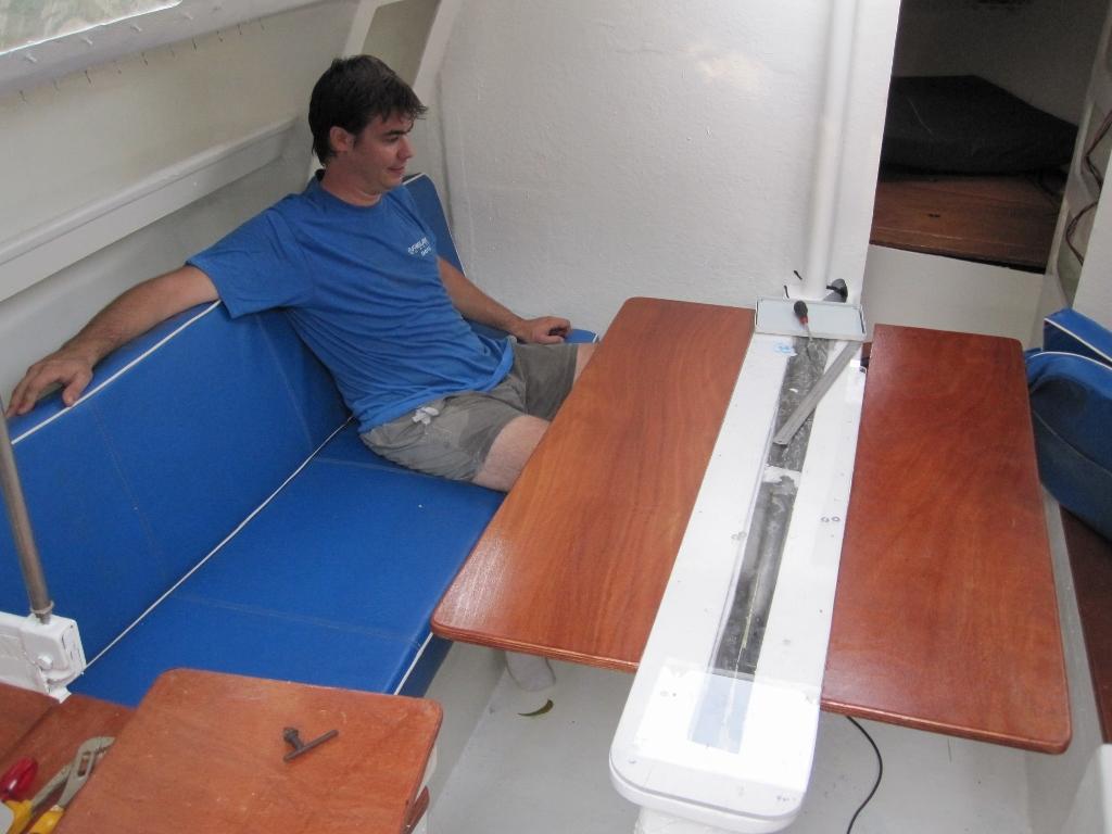 Toujours en vacances le bateau for Peinture interieur bateau